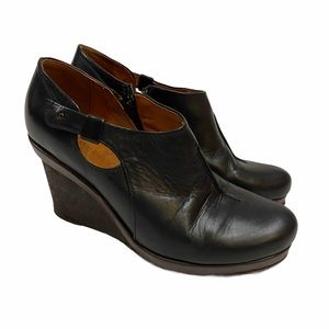 Coclico black leather wedge booties